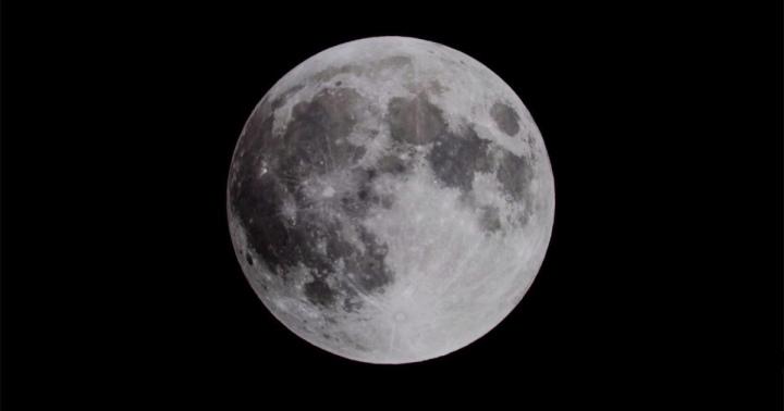 Lua Preta: Uma Grande Mudança deEnergia